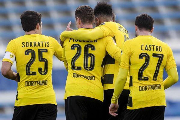 Девять футболистов «Боруссии» отравились кебабом вИспании