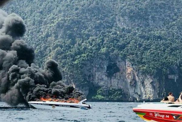 Катер с туристами взорвался в Таиланде: ранены 16 человек