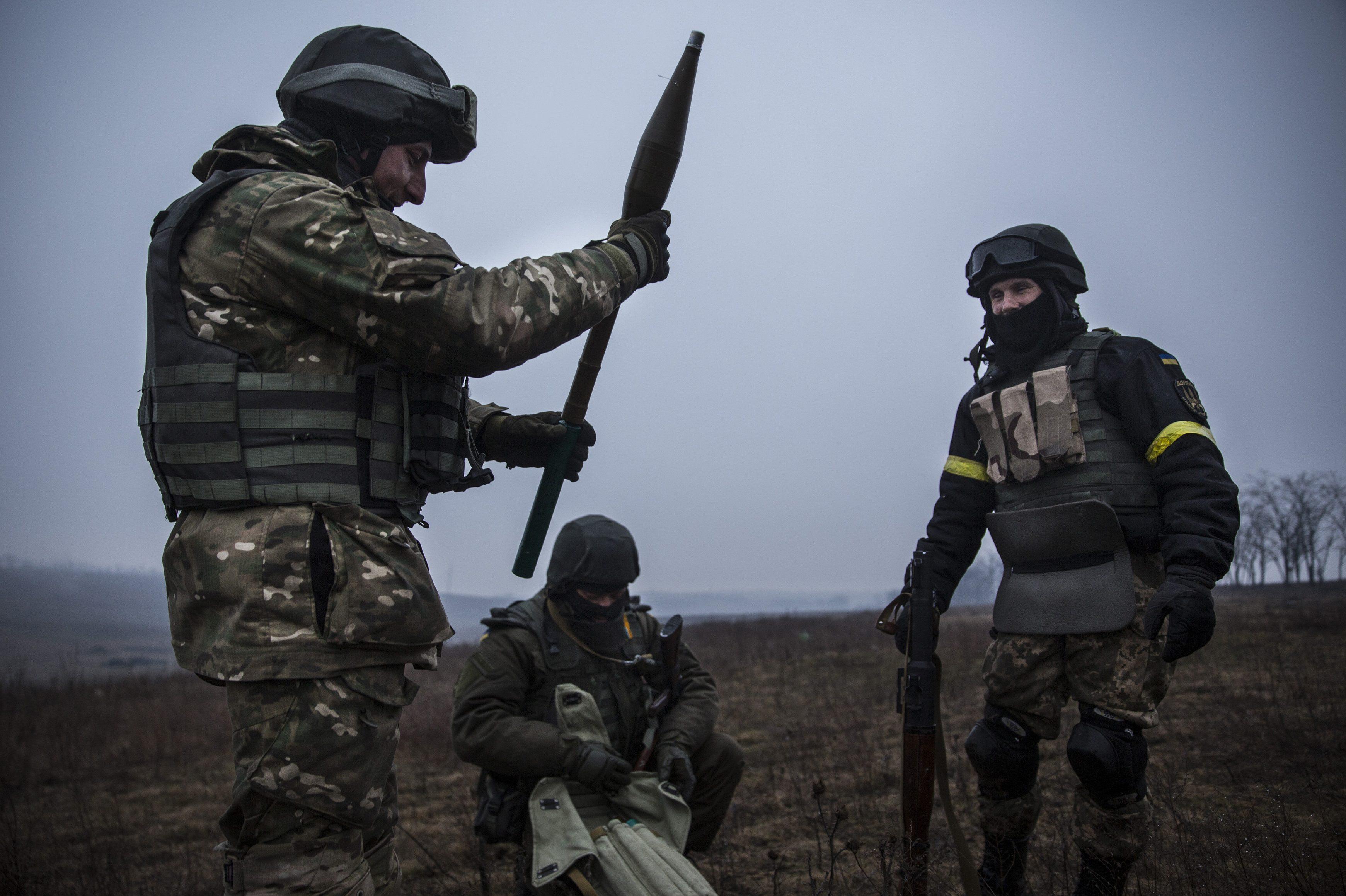 2 нарушения перемирия, боевики избивали изминометов вблизи Счастья иЛуганского— АТО