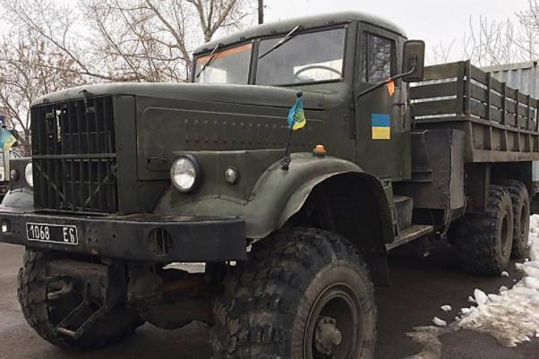 17 шахтарів постраждали уДТП із військовим КрАЗом наДонбасі