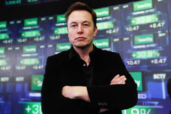 Миллиардер Илон Маск начал торговать огнеметы для защиты отзомби