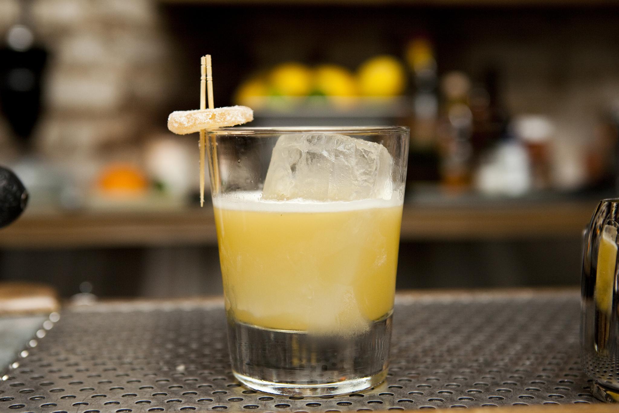 День бармена: 9 рецептов коктейлей от известных барменов