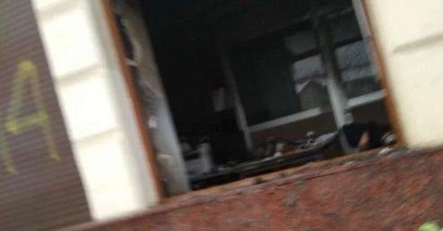 УЛьвові у відділення Сбербанку кинули коктейлі Молотова: сталась пожежа