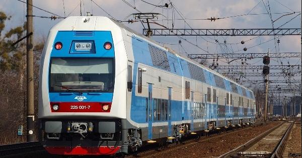 НаКиевщине поезд насмерть сбил юношу