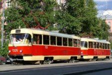 Свята вода з Соборки. В Одесі комунальники дезінфікували заповнений людьми трамвай