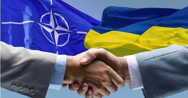 НАТО предоставила Украине статус соискателя