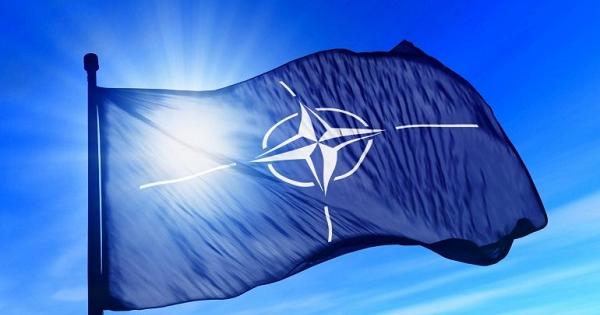 Порошенко назвал следующий шаг Украинского государства напути вНАТО