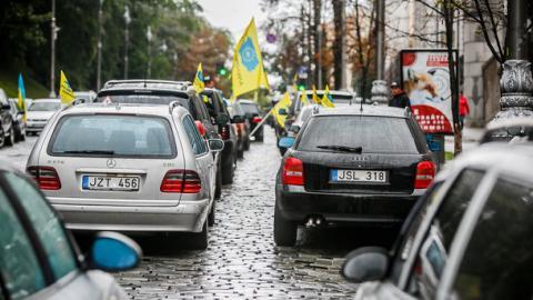 Де українці можуть купляти авто на 50% нижче ринкової ціни