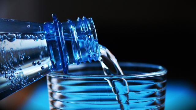 Скільки води треба пити