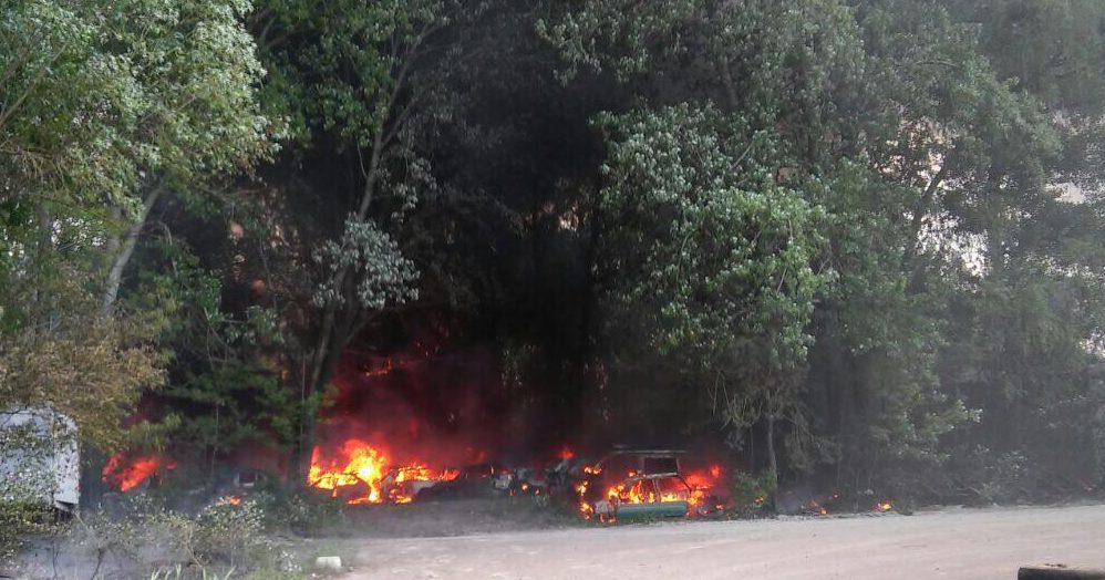 Наштрафплощадке вКиеве загорелись около 20 автомобилей