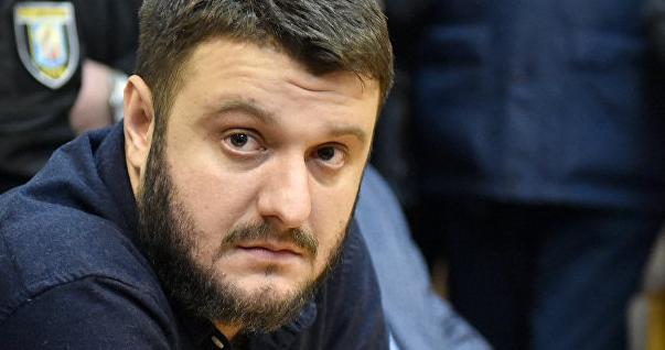 Рюкзаки Авакова: суд арештував нерухомість таакції сина міністра