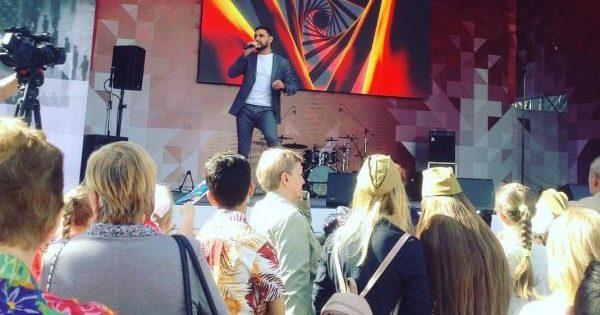 Виталий Козловский выступил в столице России наконцерте коДню Победы