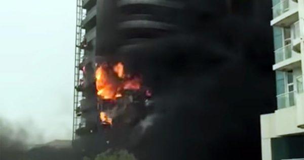 ВДубае загорелось многоэтажное здание Zen Tower