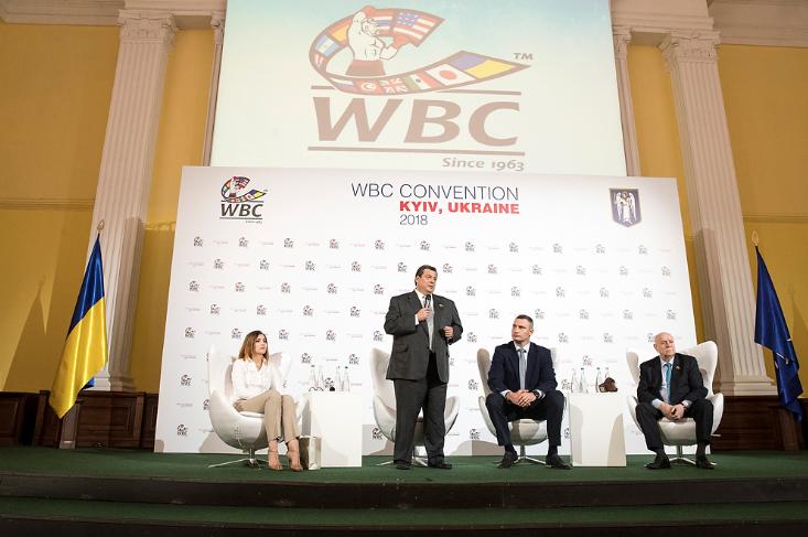 Кличко підписав з президентом WBC контракт на проведення у Києві Конгресу організації  9