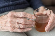 Тест негативний: у Чернігівській області бабусю з пневмонією виписали з лікарні
