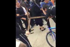 Діти влаштували бійку через велосипеди