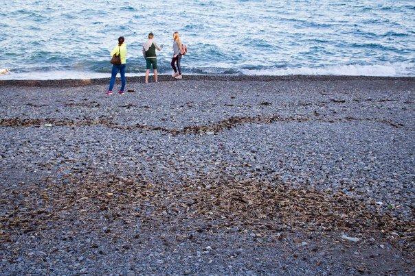 Порожні пляжі в Ялті