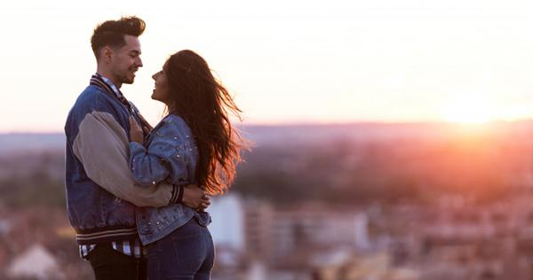 Секс на улице на крыше видео лезби дома трахнуть