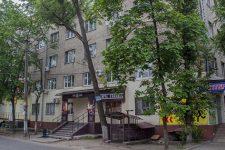 У Дніпрі 3-річна дівчинка випала з балкона