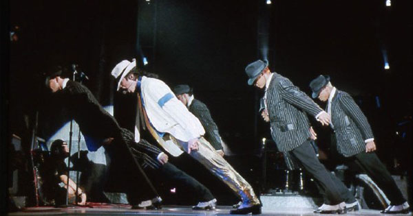 Нейрохирурги объяснили «невозможный трюк» Майкла Джексона