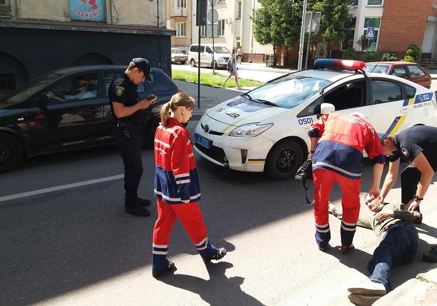 Патрульне авто збило пішохода