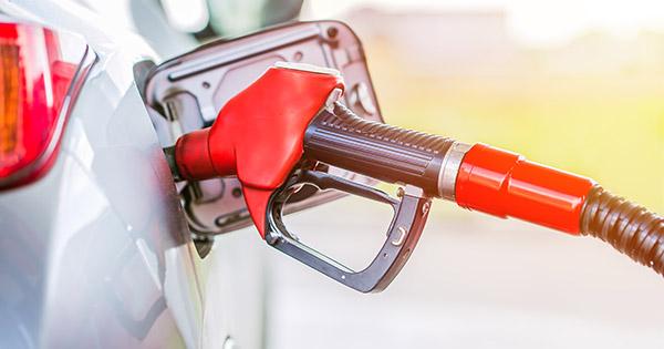 За останні 2 місяці ціни на бензин стрімко зросли в середньому на 3 гривні  за один літр. Факти ICTV розібралися 948cdeebabf4f