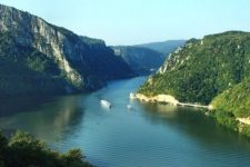 річка дніпро