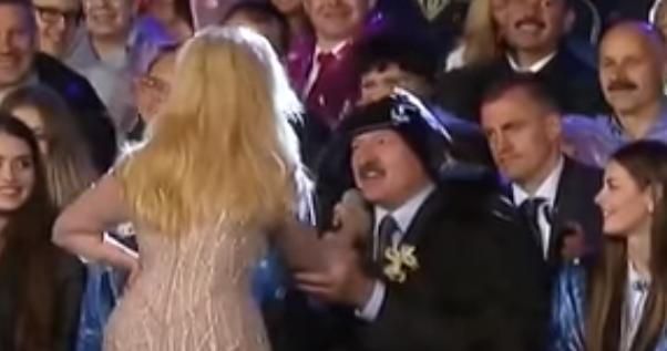 Лукашенко заспівав з Повалій