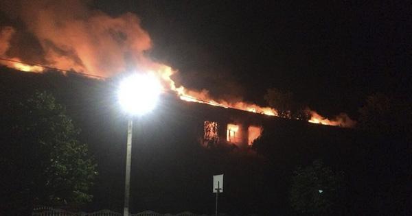 На Одещині блискавка спалила верхній поверх школи