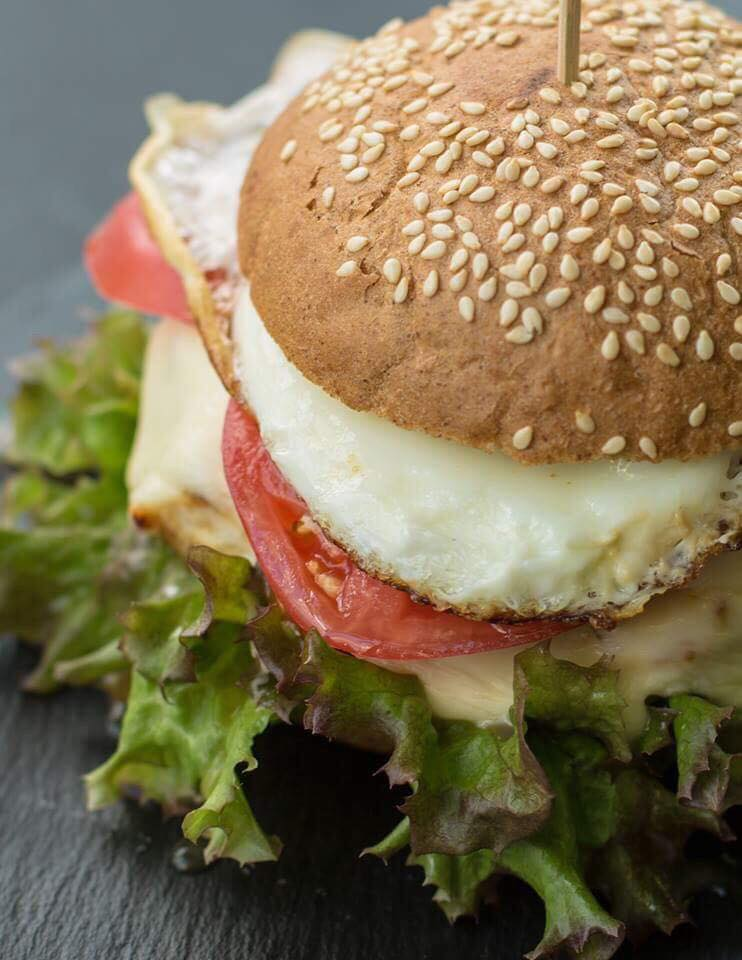 Диетический бургер: как сделать любимое блюдо полезным