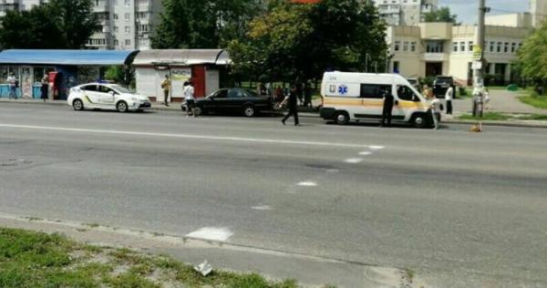 У Києві авто збило дівчинку