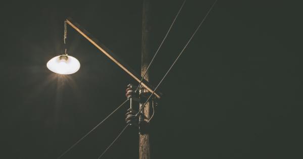 Тверской чиновник Олег Дубов обматерил местных граждан наоткрытии уличного фонаря