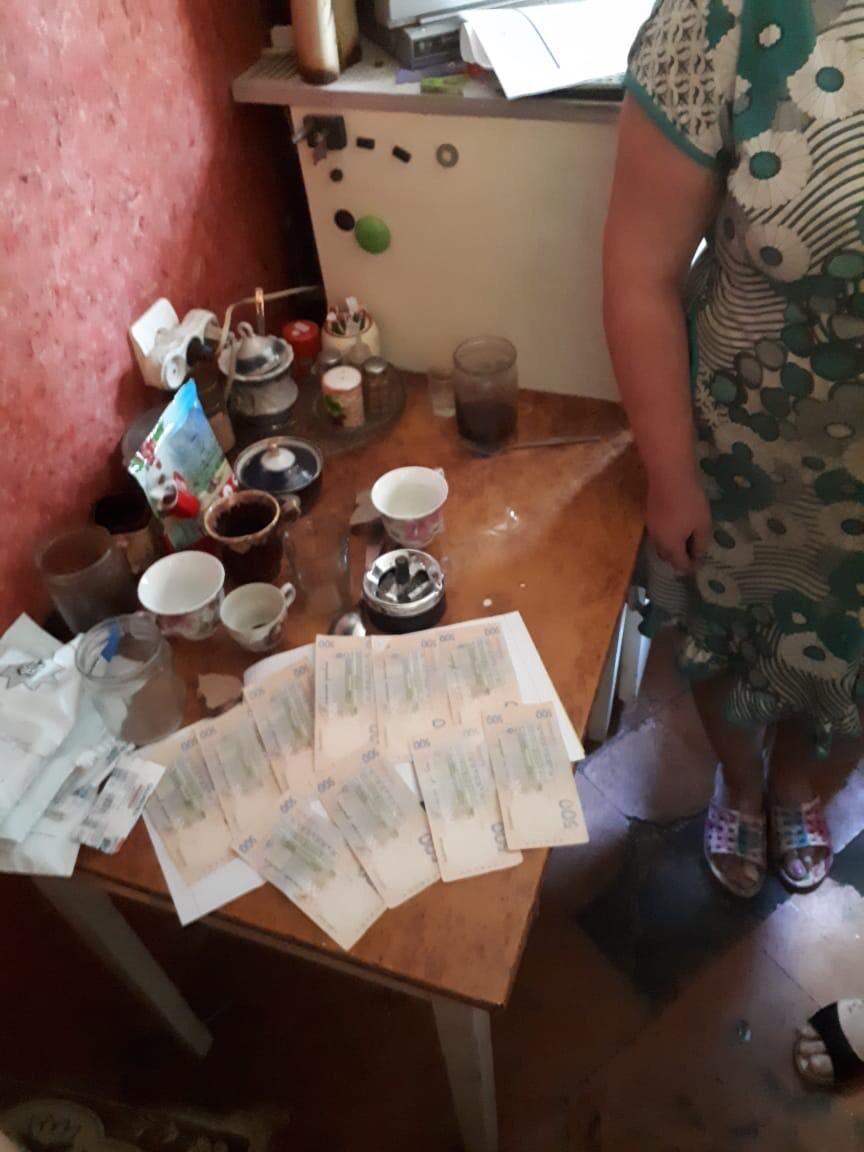 На Хмельниччині жінка здавала дітей в оренду