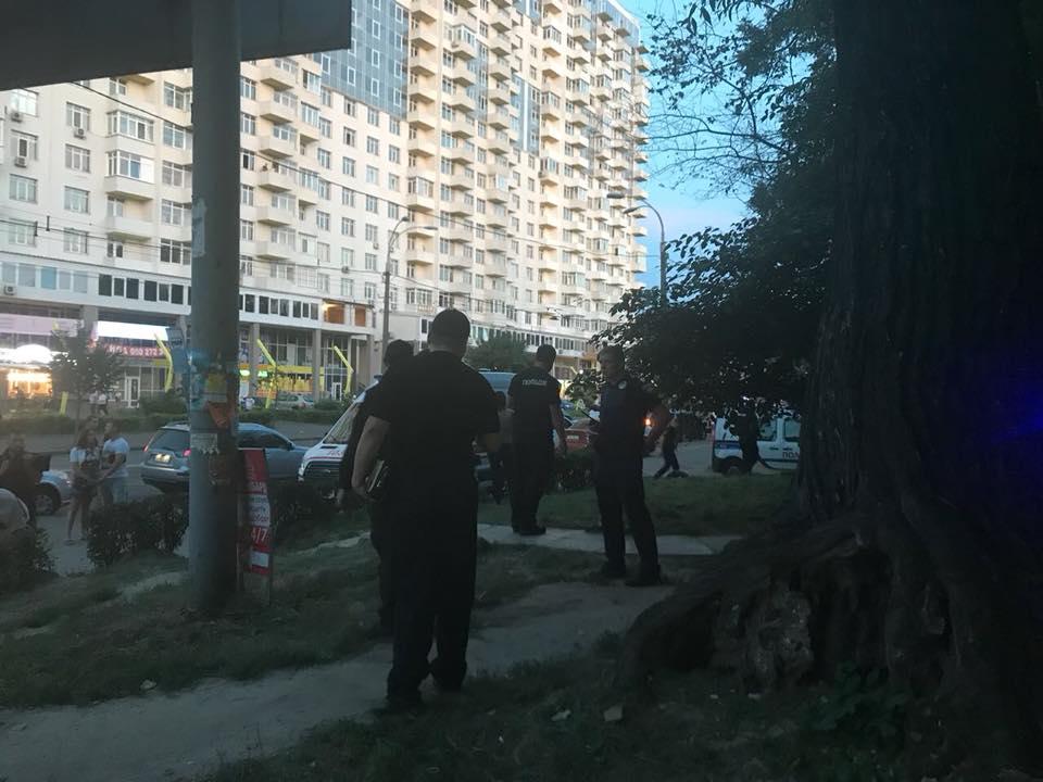 У Києві напали на ломбард і застрелили охоронця