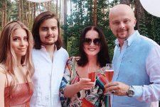 Софія Ротару з родиною