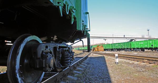 8118ae1fe92f56 Здорожчання вантажних залізничних перевезень викличе зростання цін в  Україні – економіст (4.30/21)