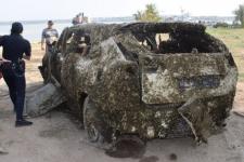У Миколаєві з річки дістали Lexus