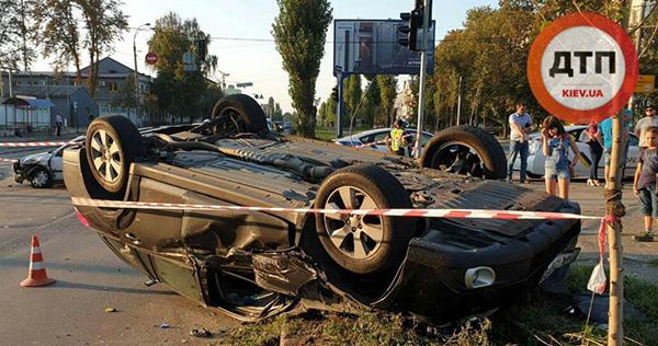 ДТП із перекиданням у Києві