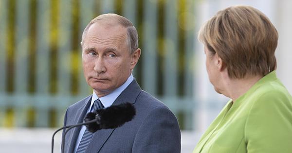 Володимир Путін та Ангела Меркель