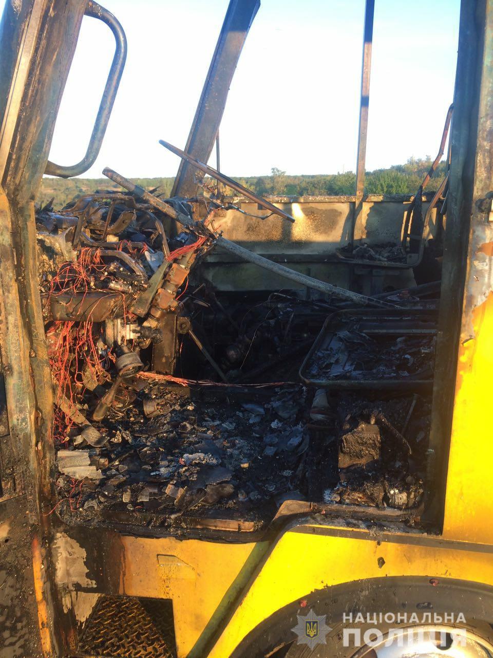 На Харківщині на ходу згорів пасажирський автобус