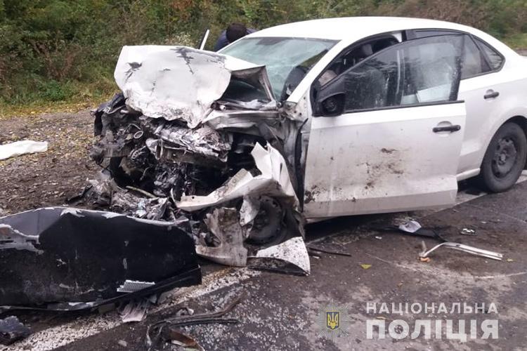 Авто практично розірвало. У ДТП на Тернопільщині загинули 3 людини (ФОТО)