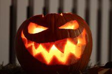 Как подобрать и вырезать тыкву на Хэллоуин