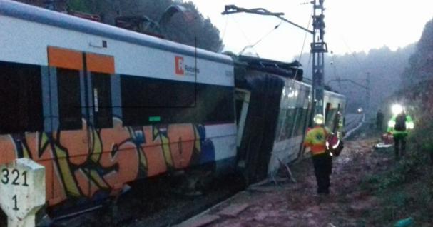 В Іспанії пасажирський поїзд зійшов зрельсів: є жертви