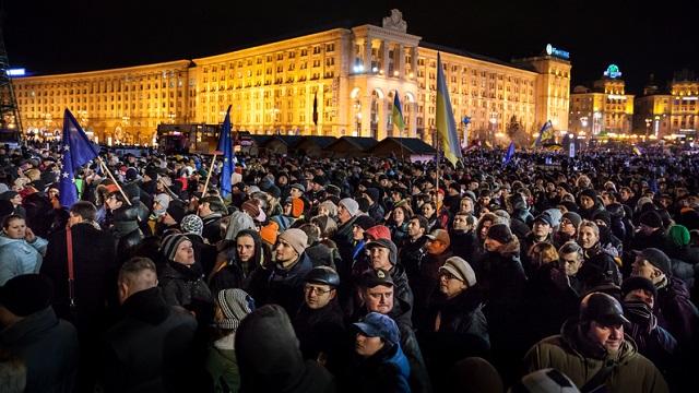 [:ua]Революція Гідності: Євромайдан, день перший[:ru]Революция достоинства: Евромайдан, день первый[:]