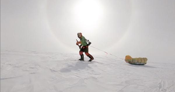 Вперше в історії! Американець самостійно перетнув Антарктиду