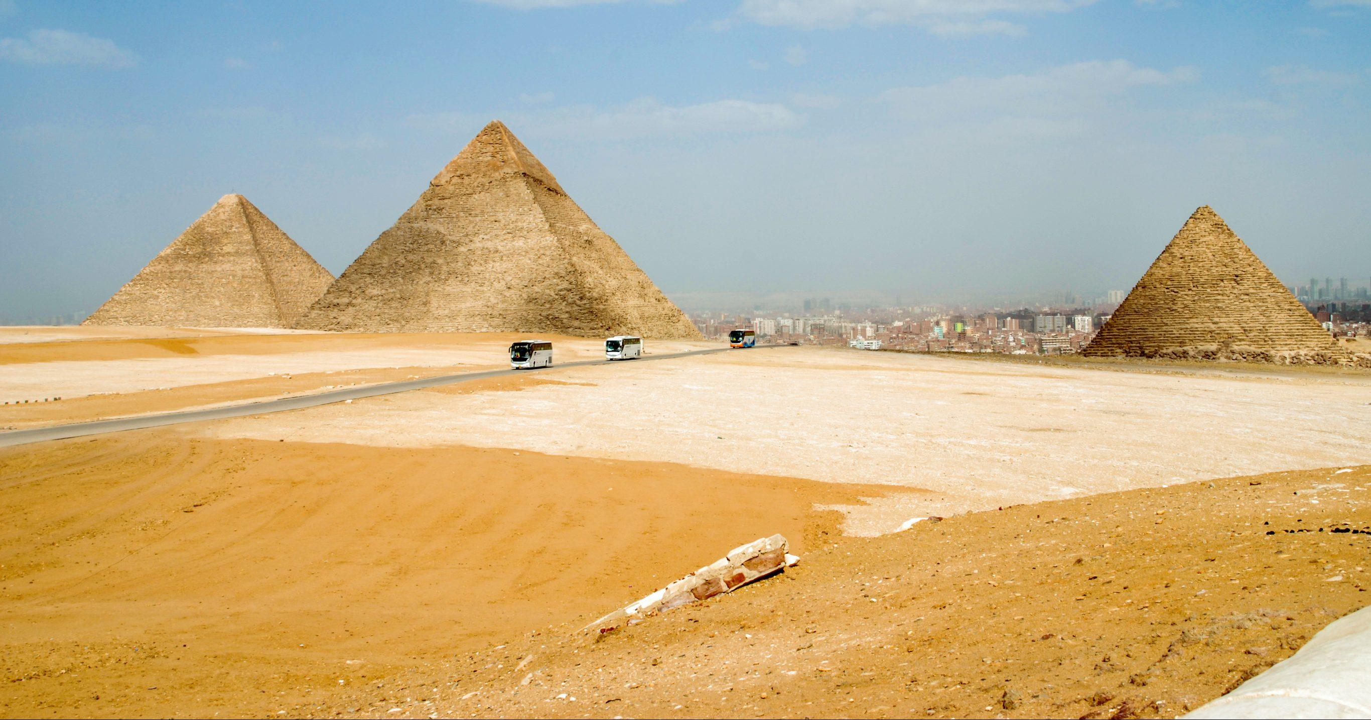 У Каїрі підірвали автобус з туристами – ЗМІ