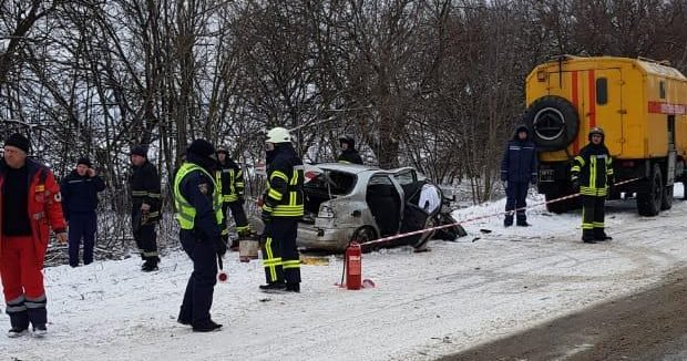 Не впорався з керуванням: в Одеській області зіткнулися авто