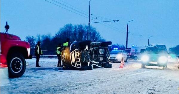 Смертельна ДТП в Івано-Франківській області: 2 людини загинуло, 6 – у лікарні