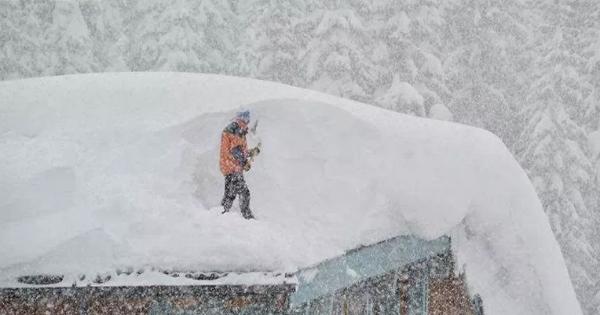 Сильні снігопади в Європі: багато загиблих, скасовані авіарейси