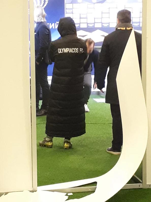 Футболіст Олімпіакоса Поденсе влаштував погром у мікс-зоні НСК Олімпійський